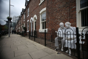 MANCHESTER houses for white statues
